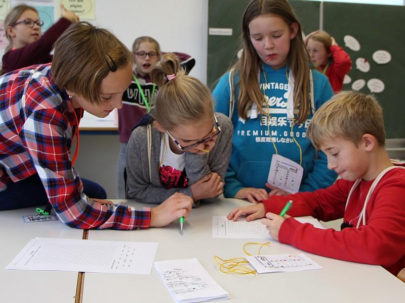 Read more about the article Schüler*innen helfen Schüler*innen