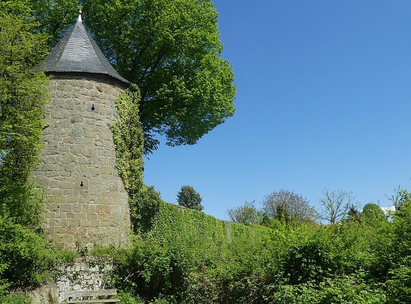 Hexenturm mit Stadtmauer