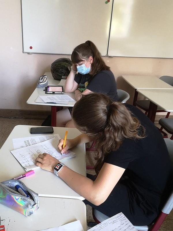 Schüler im Klassenraum